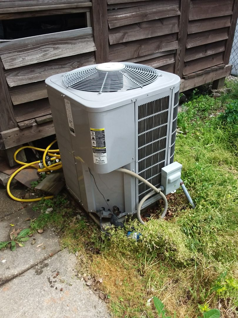 Bridgeview, IL - Maintaining to Carrier AC units