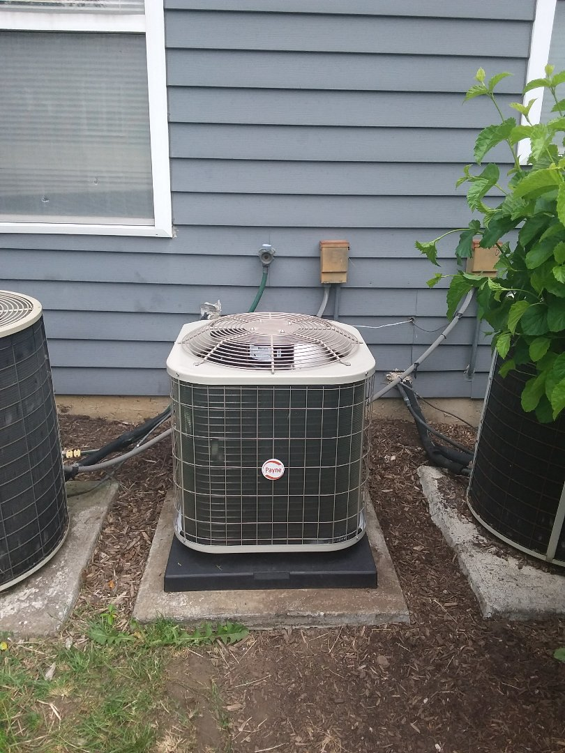 Elgin, IL - Installation of carrier air conditioner