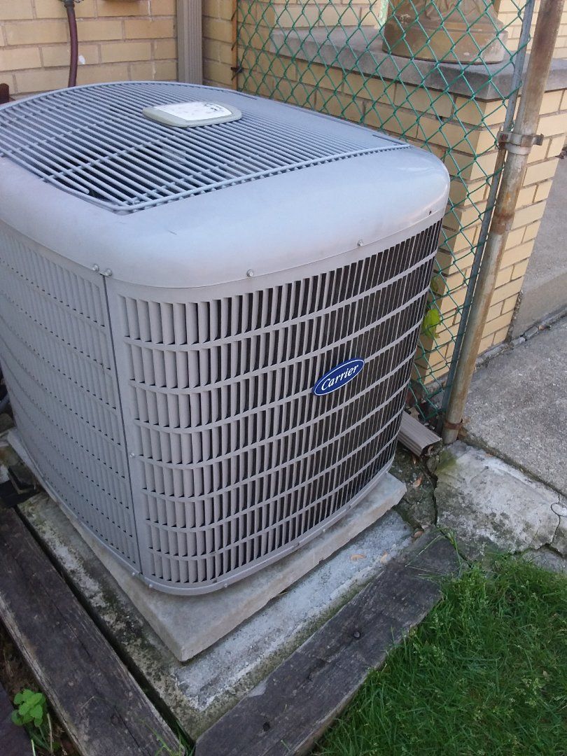 Chicago Heights, IL - Repairing Carrier AC unit