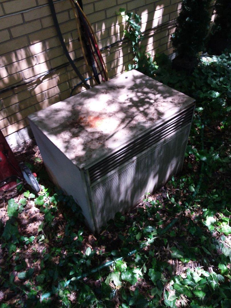 Richton Park, IL - Maintaining an AC unit R22