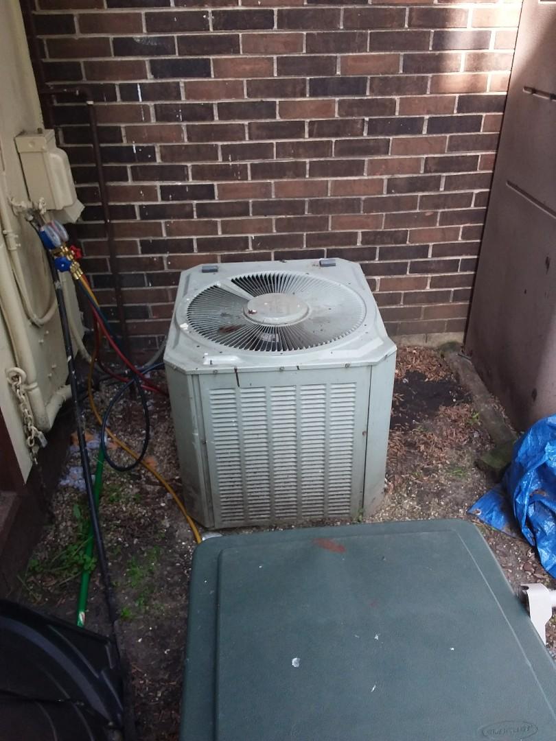 Chicago, IL - Repairing an American Standard AC unit