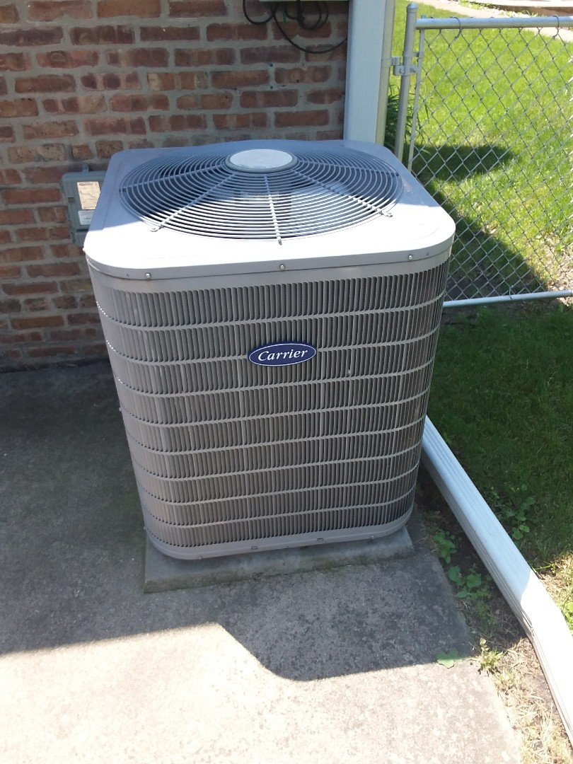 Blue Island, IL - Maintaining a Carrier AC unit