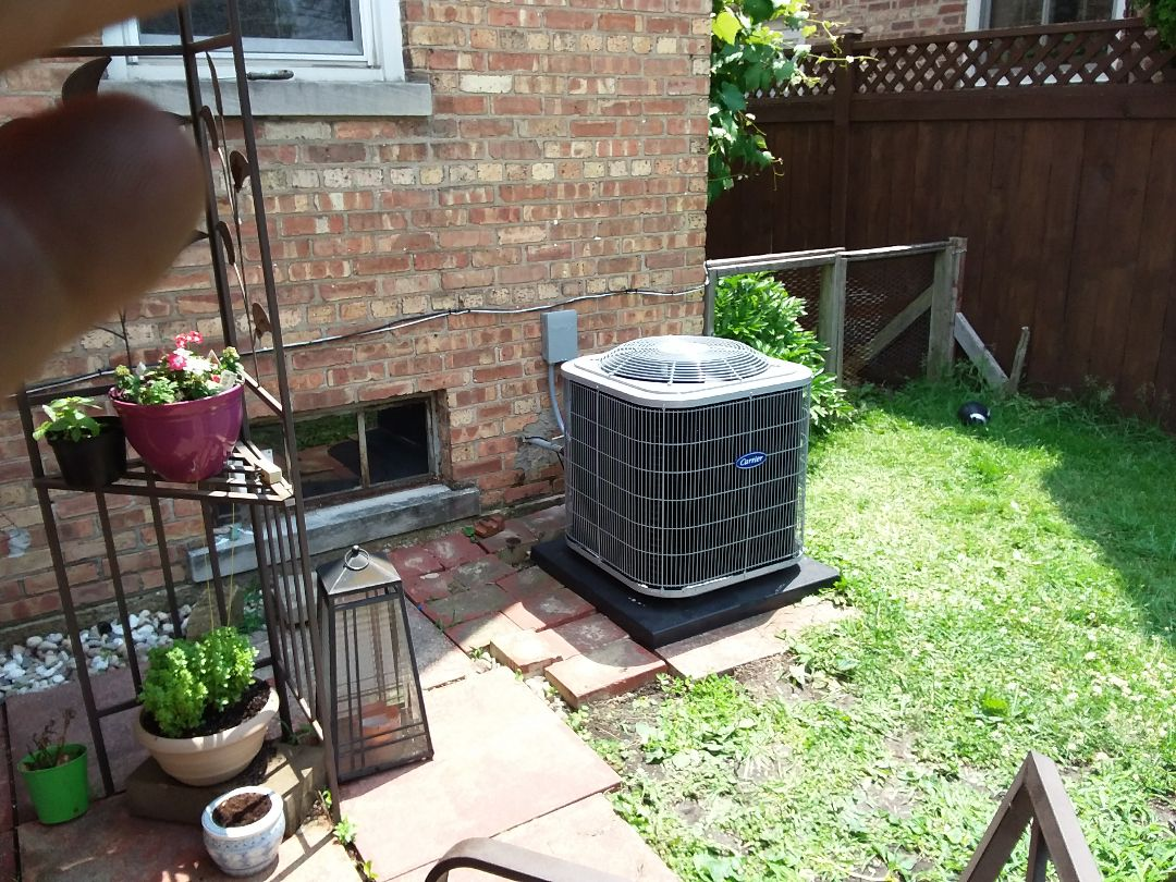 Elmwood Park, IL - Installation of new carrier air conditioner