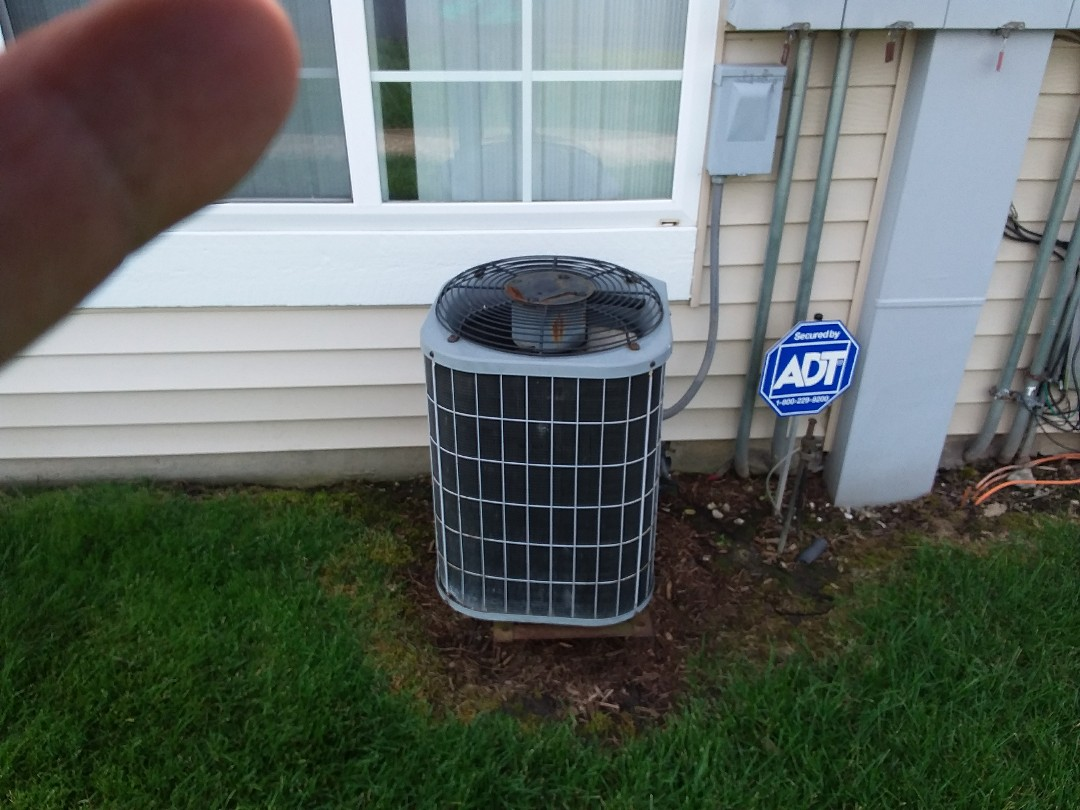 Aurora, IL - Installation of new carrier air conditioner replacing old carrier