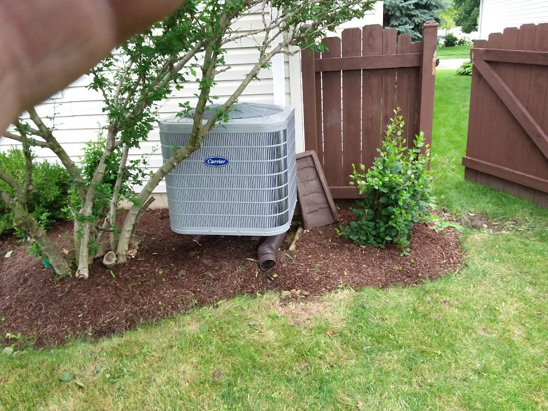 Aurora, IL - Installation of new carrier air conditioner replacing old ge air conditioner