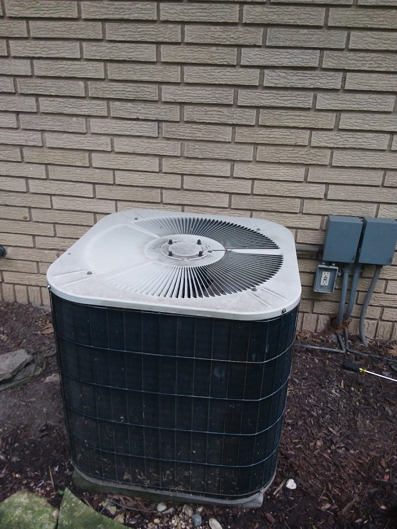 La Grange Park, IL - Installation of carrier air conditioner replace old Bryant air conditioner