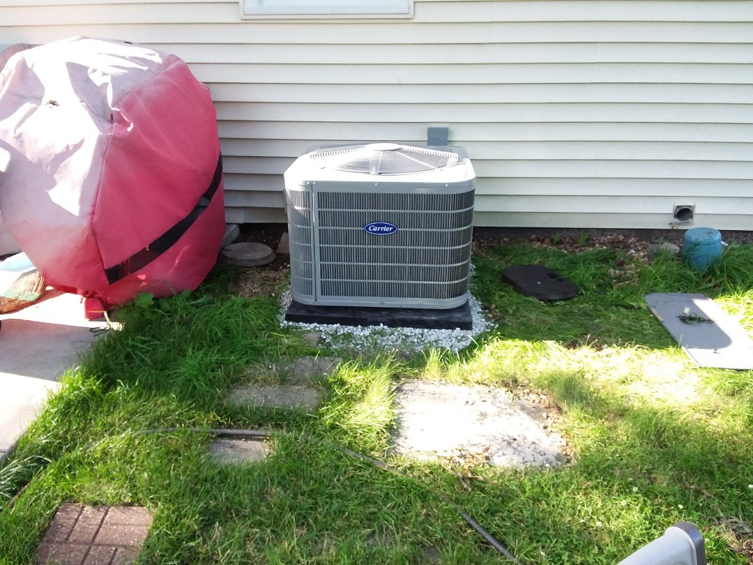 Carol Stream, IL - Installation of new carrier air conditioner replacing old carrier air conditioner