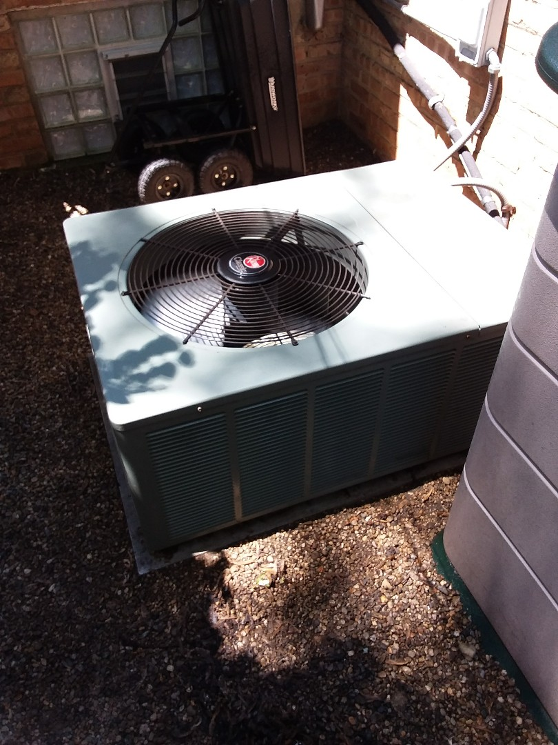 Evergreen Park, IL - Maintaining a Rheem AC unit