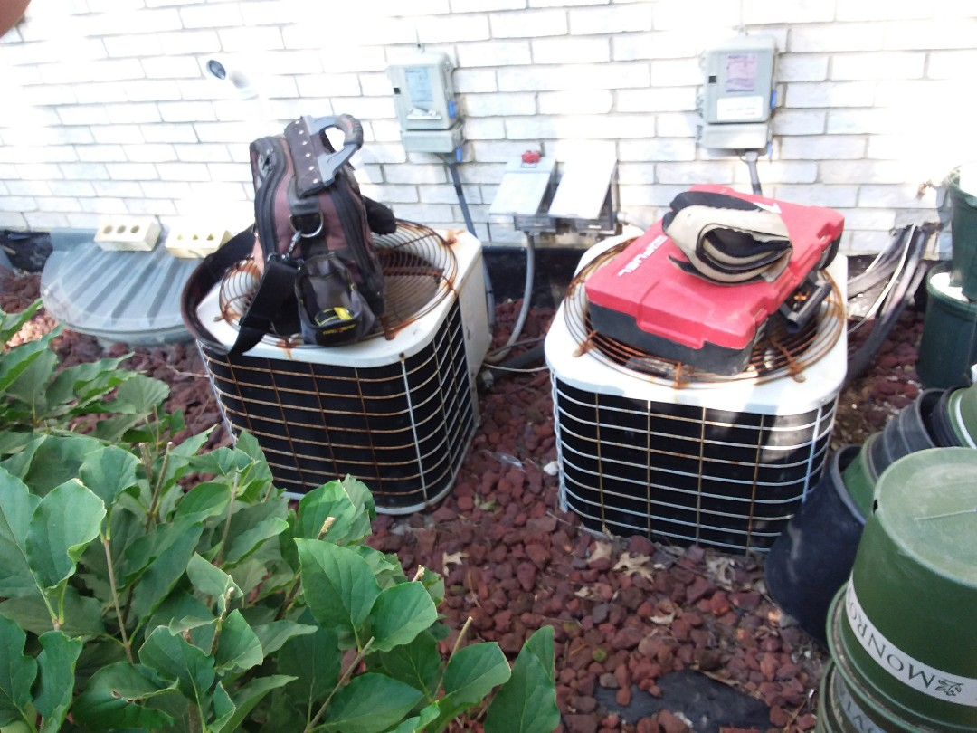 Lemont, IL - Installation of new carrier air conditioner replacing old carrier air conditioner