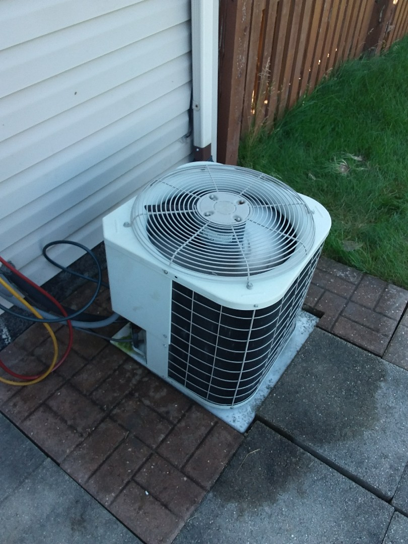 Monee, IL - Maintaining a Bryant AC system