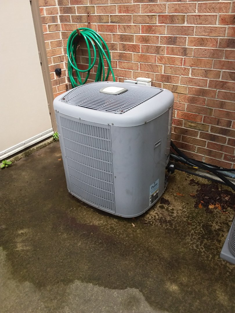 Palos Park, IL - Maintaining a Carrier AC system