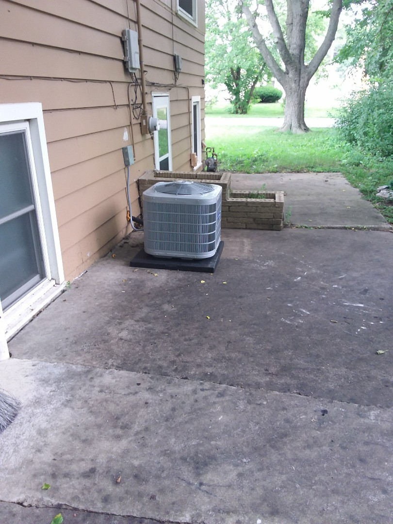 Hazel Crest, IL - Carrier air conditioning system installation