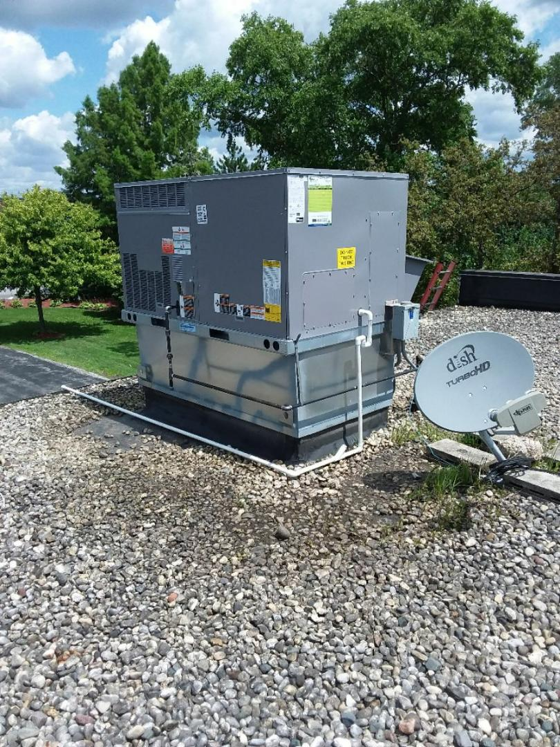 Crestwood, IL - Carrier rooftop unit installation