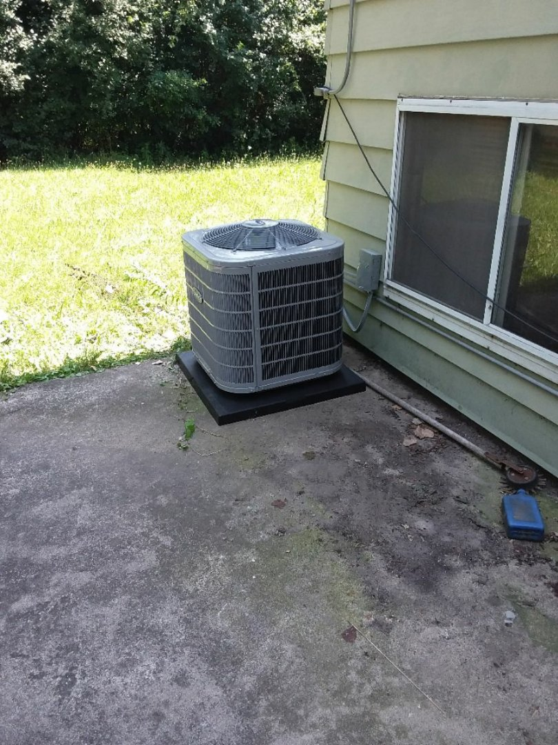 Robbins, IL - Carrier air conditioning system installation