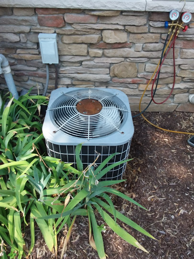 Palos Heights, IL - Repairing a Carrier AC unit