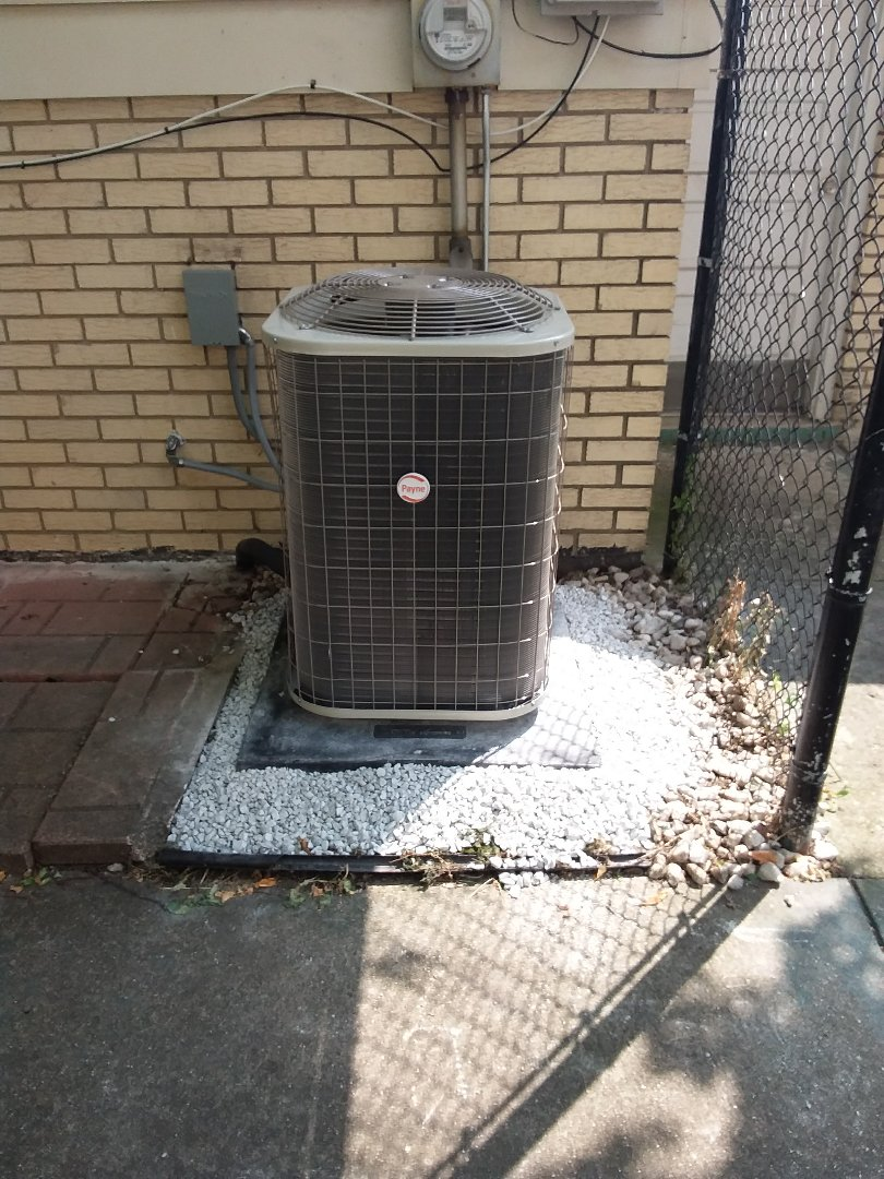 Oak Lawn, IL - Installation of new Payne air conditioner replacing old ge air conditioner
