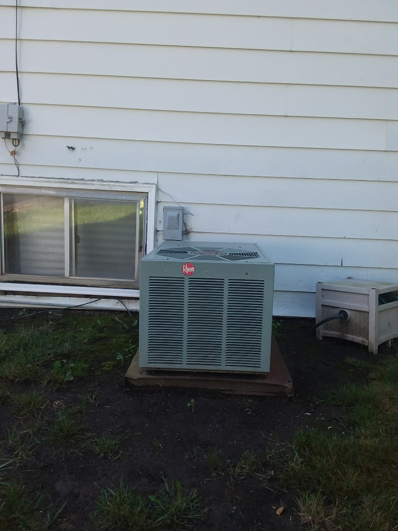 Chicago Heights, IL - Installation of carrier air conditioner replace old rheem air conditioner