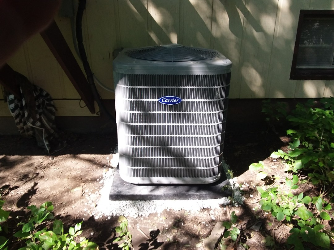 Wheaton, IL - Installation of new carrier air conditioner replacing old trane air conditioner