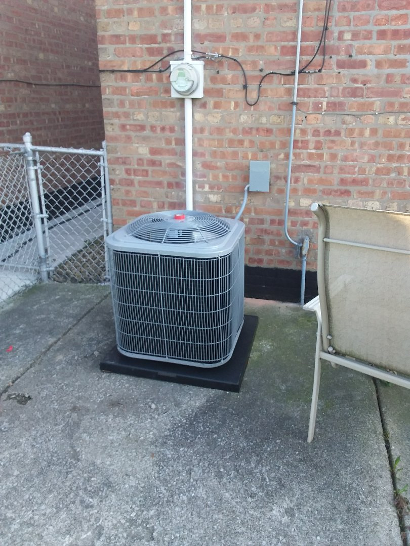 Chicago, IL - Carrier air conditioner/furnace replacement