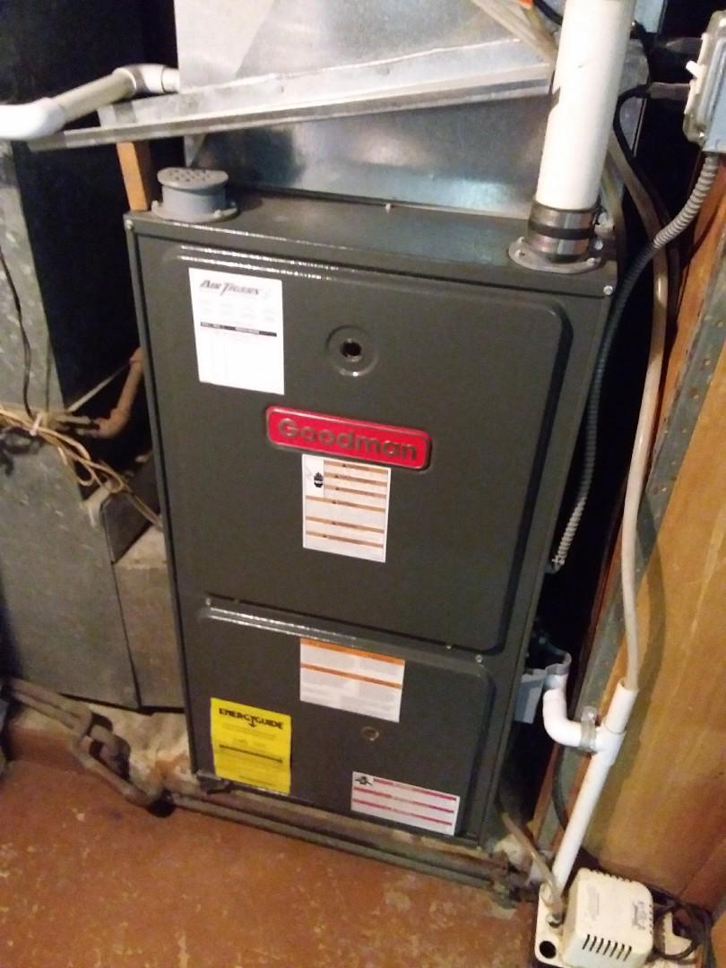 Woodridge, IL - Maintaining a Goodman furnace