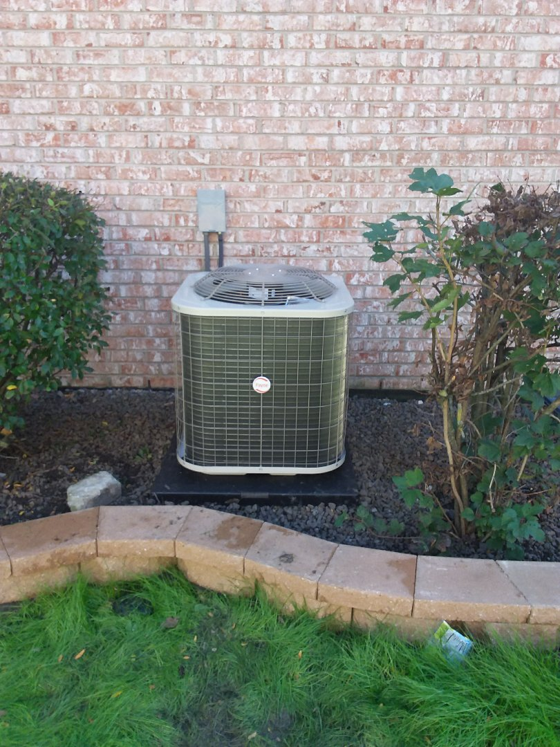 Downers Grove, IL - Installation of carrier air conditioner replace old carrier air conditioner