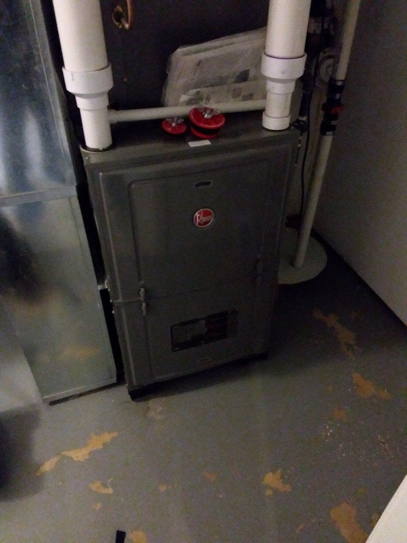 Chicago, IL - Maintaining a Rheem furnace
