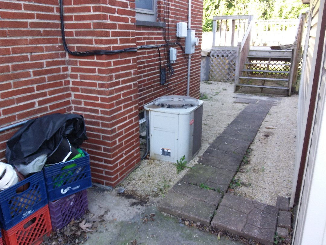 Chicago Heights, IL - Installation of new carrier air conditioner replacing old Bryant air conditioner
