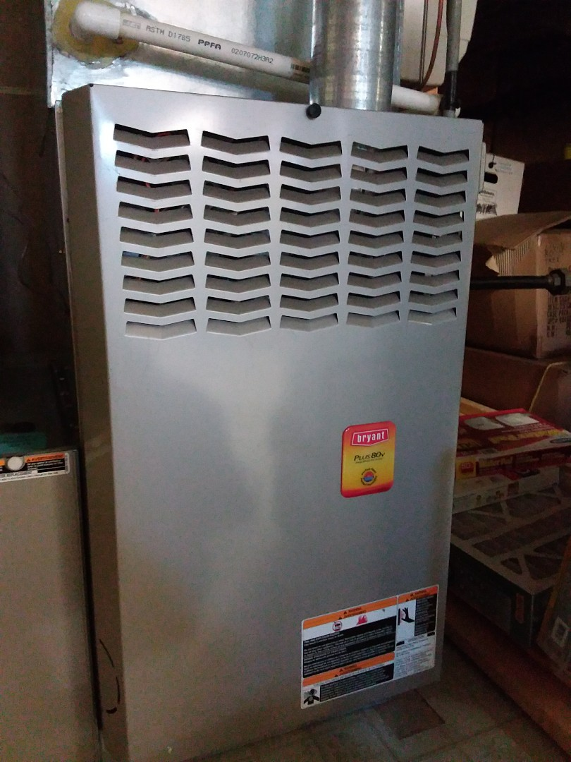 Chicago, IL - Maintaining a Bryant furnace