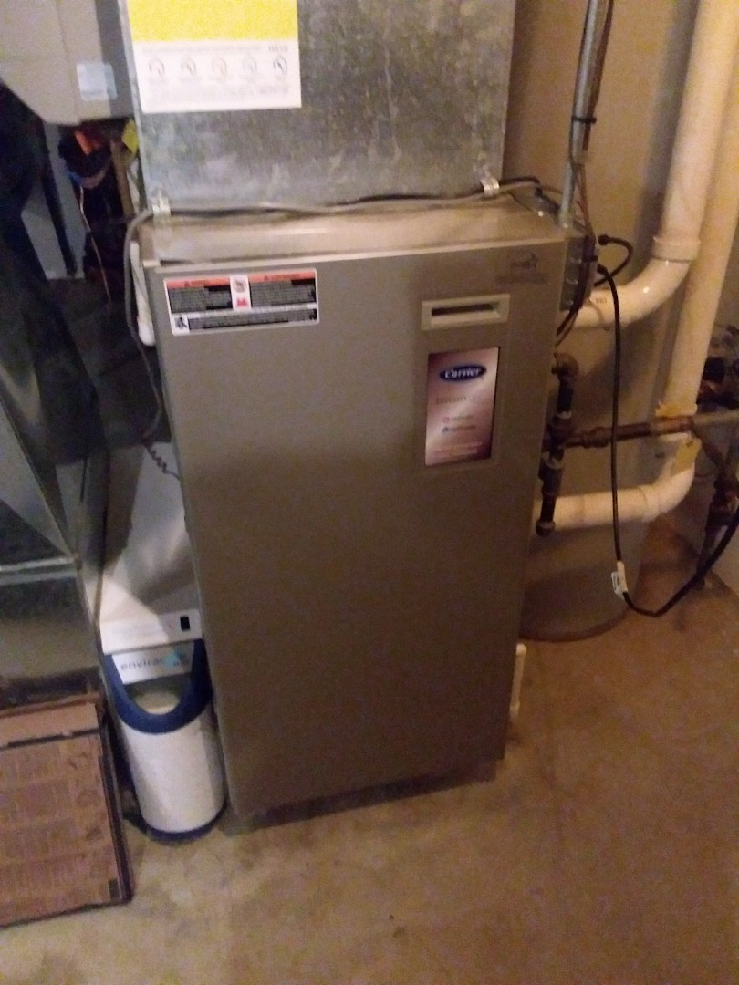 Alsip, IL - Maintaining a carrier furnace