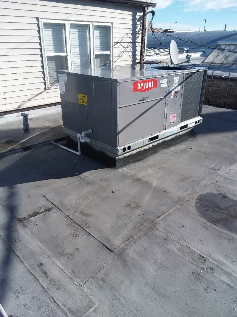 Park Ridge, IL - Bryant rooftop unit installation