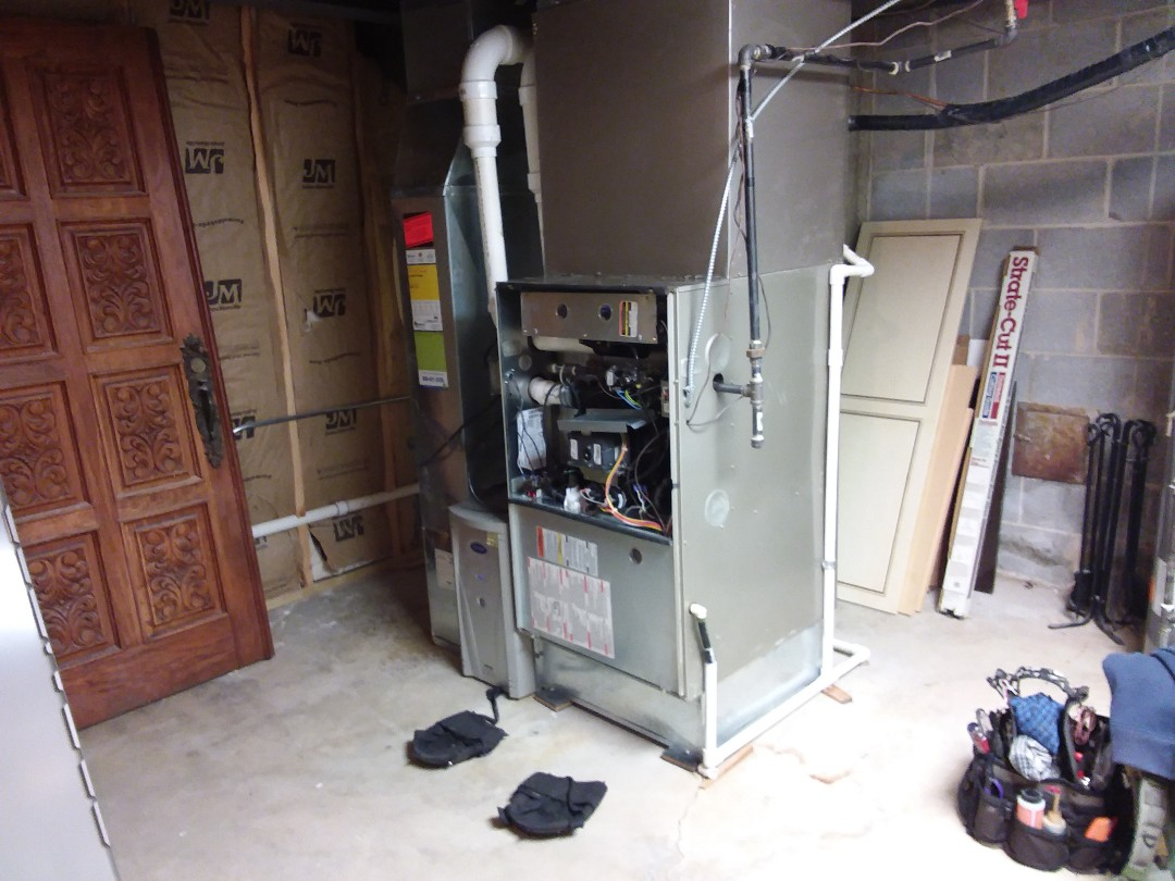 Barrington, IL - Clean and checked furnace and humidifier