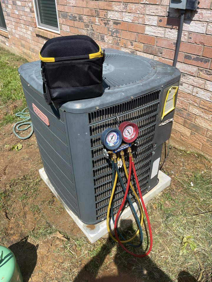 Hurst, TX - Performed emergency air conditioning service repair. Replaced AC capacitor and added Freon.