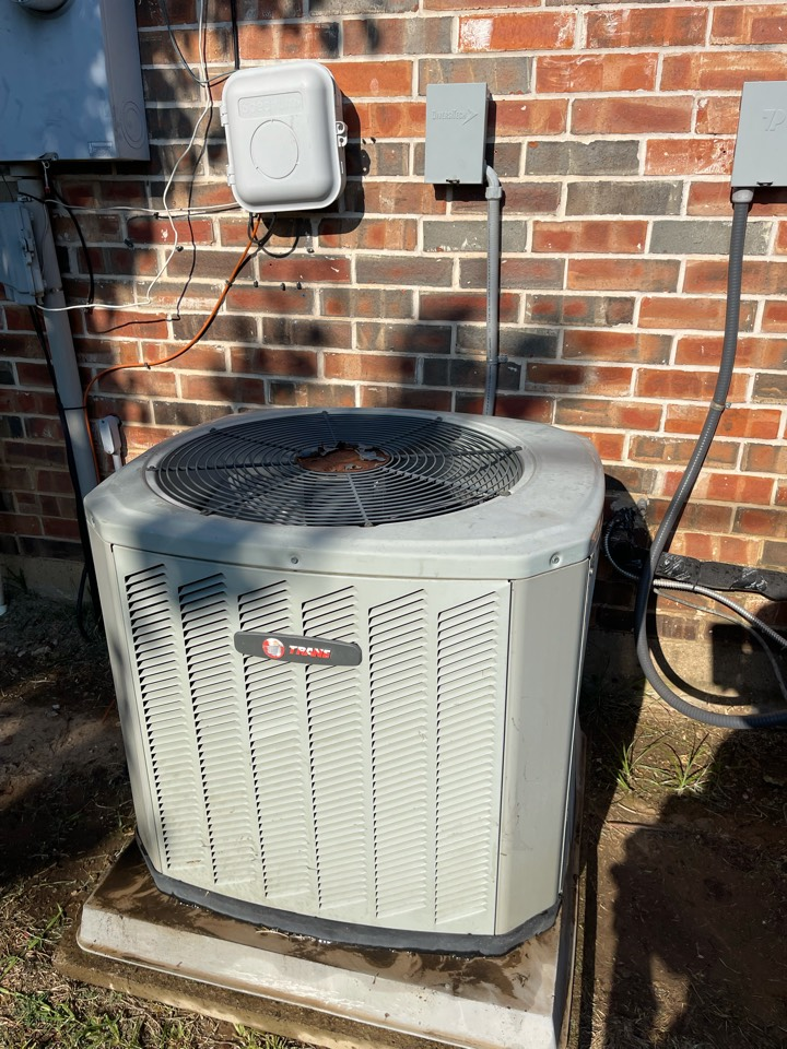 Colleyville, TX - Performed emergency Air Conditioning system repair on a TRANE unit in Colleyville, TX