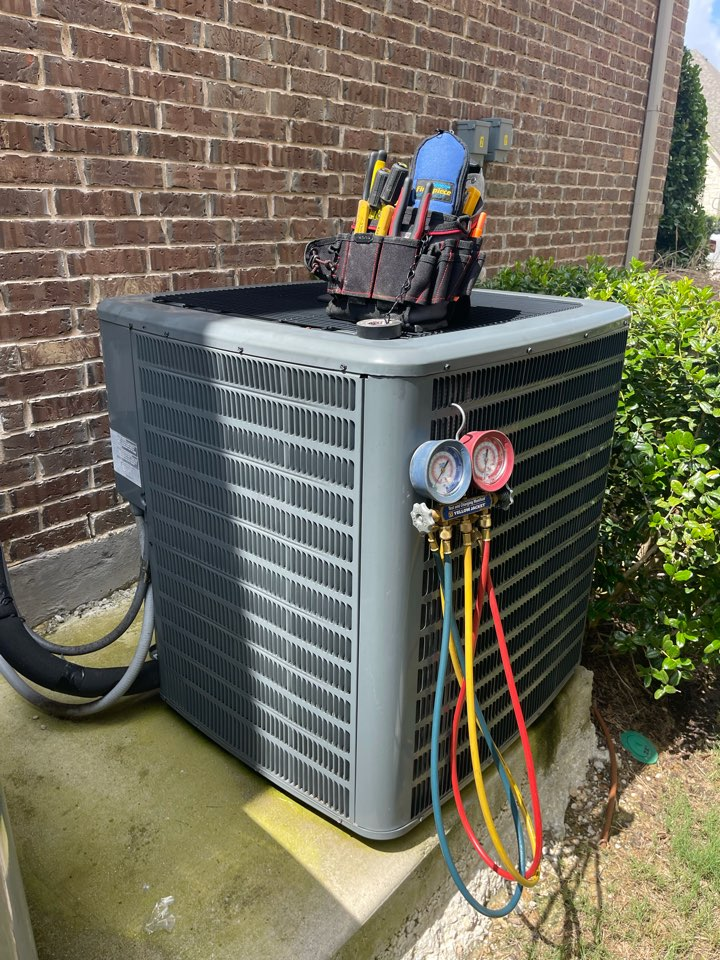 Colleyville, TX - Performed emergency AC recharge to get downstairs system cooling again