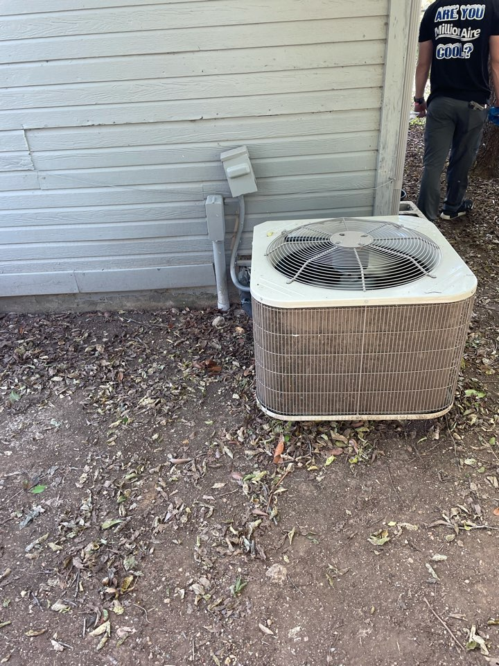 Fort Worth, TX - Performed ac maintenance