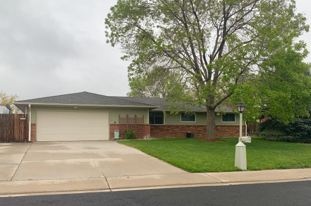 Longmont, CO - We re-roofed this home in north Longmont that was hit with hail damage last summer.  The shingles we used were GAF Timberline HD shingles in the color Weathered Wood.