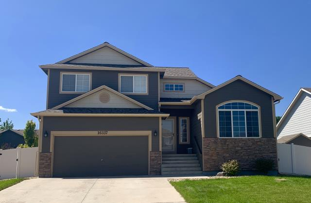 Mead, CO - We installed a new CertainTeed Northgate Class IV shingle roof on this home  in Mead.  The CertainTeed Northgate Class IV shingles are a hail resistant shingle.  The color is Weathered Wood.