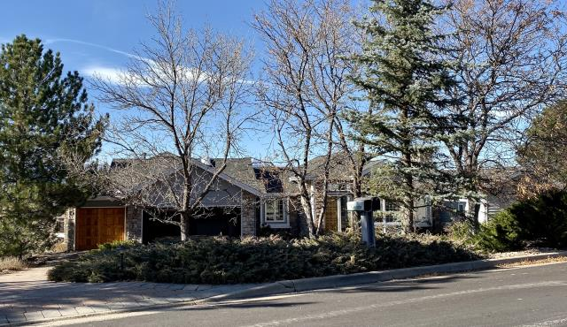 Boulder, CO - This is the second time that we have installed a new roof on this home in Boulder.  We love repeat customers!  We installed CertainTeed Landmark Tri Laminate shingles on this home in the color Old Overton.  They are a nice thick designer shingle.