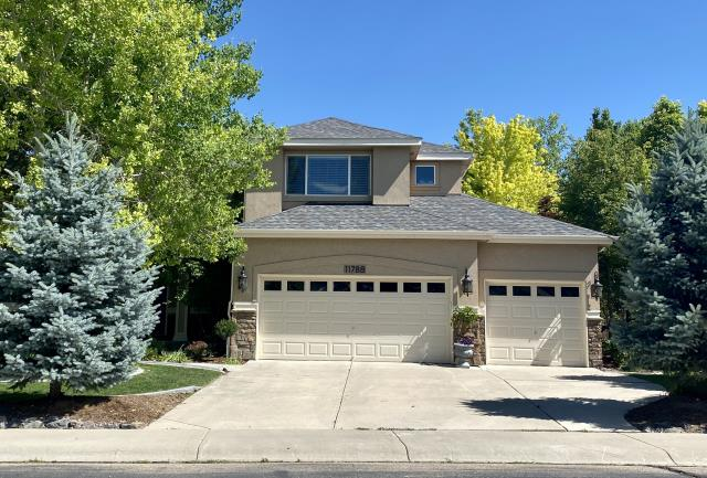 Longmont, CO - We installed a new roof for this homeowner in Longmont whose home was hit with hail last summer.  The shingles that we installed are CertainTeed Northgate Class IV Impact Resistant shingles in the color Driftwood.