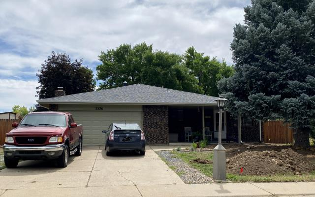 Longmont, CO - We installed a new roof on this home in Longmont.  The shingles that we installed are CertainTeed Northgate Class IV Impact Resistant shingles.  The shingle color is Max Def Pewter.