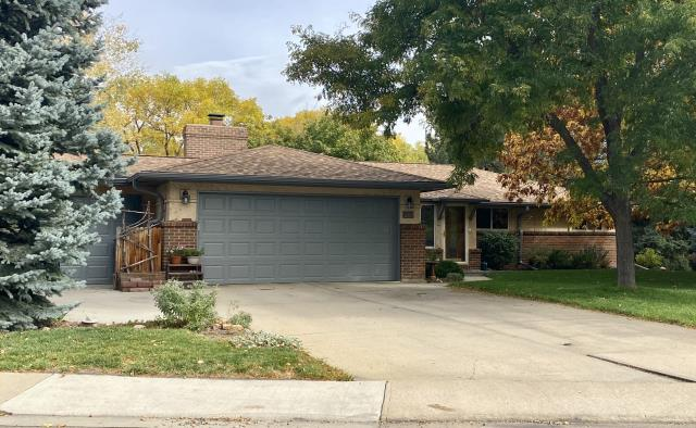 Longmont, CO - This roof in Longmont that we installed, is a CertainTeed Northgate Class IV Impact Resistant roof.  The color of the shingles is Resawn Shake.