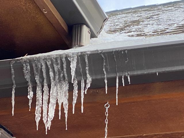 Estes Park, CO - We receive a lot of calls at this time of year from customers who are concerned that their gutters are not working.  The biggest thing to keep in mind is that gutters are made to handle water, not ice.  This gutter is full of ice and water can not flow.  The best solution to this problem is to install heat tape in the gutter and in some cases the downspouts.
