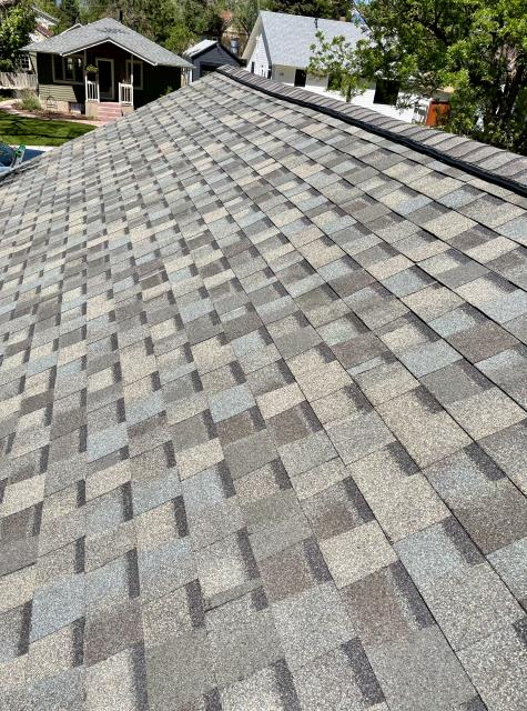 Longmont, CO - Great example of a Weathered Wood CertainTeed  Northgate Class IV Impact Resistant roof in Longmont.