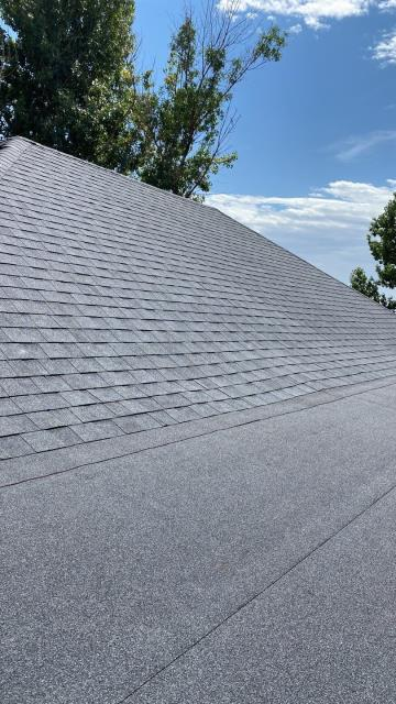 Johnstown, CO - This homeowner in Johnstown called us to have an old roof replaced.  We installed a CertainTeed Landmark roof in the color Moire Black.