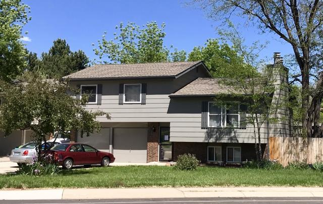 Fort Collins, CO - This house in Fort Collins was in need of a new roof.  We installed GAF Timberline HD shingles.  The color of the shingles is Weathered Wood, the most popular shingle color.