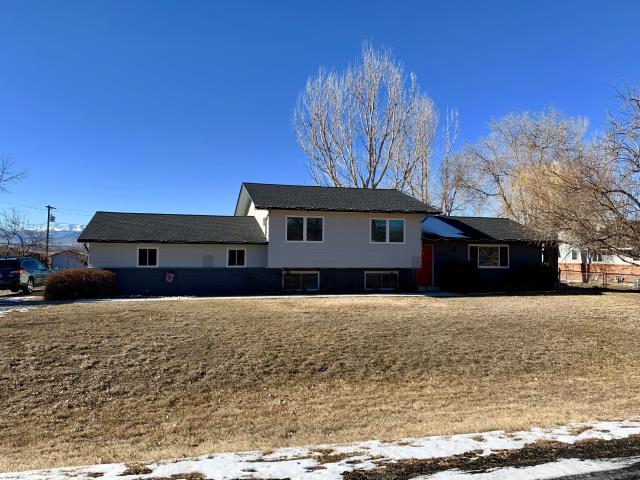 Longmont, CO - This is the second time we have roofed this house south of Longmont.  The first time it was part of a remodel.  The second time due to hail damage.  We installed GAF Timberline HD shingles in the color Charcoal.