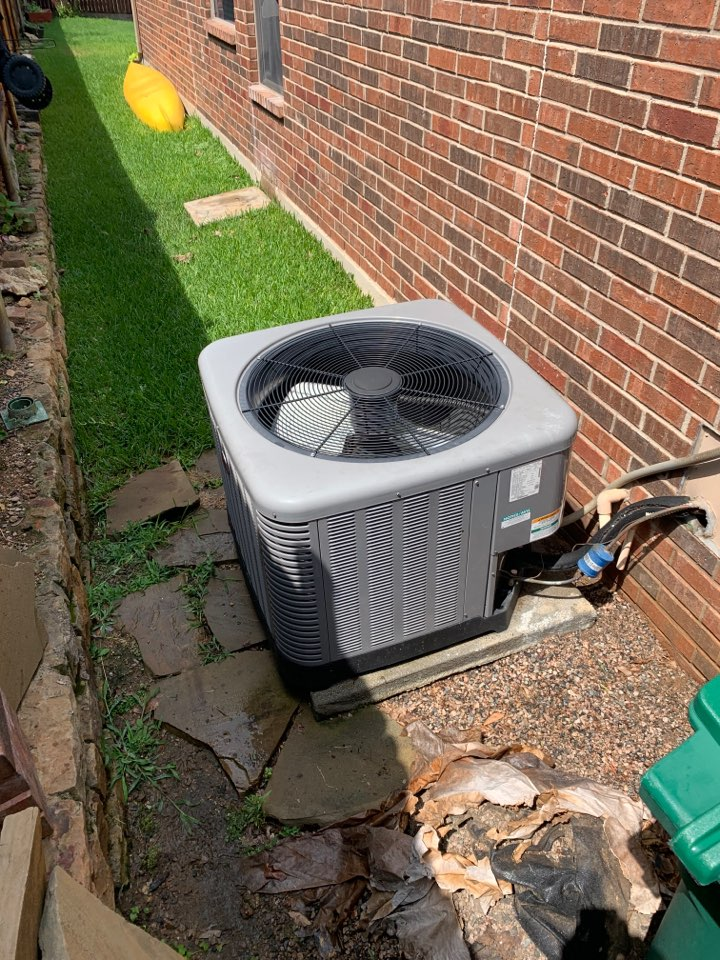 Fort Worth, TX - A homeowner in Keller called complaining that the secondary drain for her air conditioner was dripping outside and that the AC wasn't keeping up inside. We arrive to find a seven year old Rheem gas HVAC system they had a clogged primary drain and a condenser that was very dirty. We flushed the drain lines and confirmed good water flow and then went outside and professionally cleaned the condenser from the inside out. Once we finish the work we confirmed a 15° temperature split indoors letting us know that the AC repair was successful and that system is cooling as designed. Left system cooling and operational.