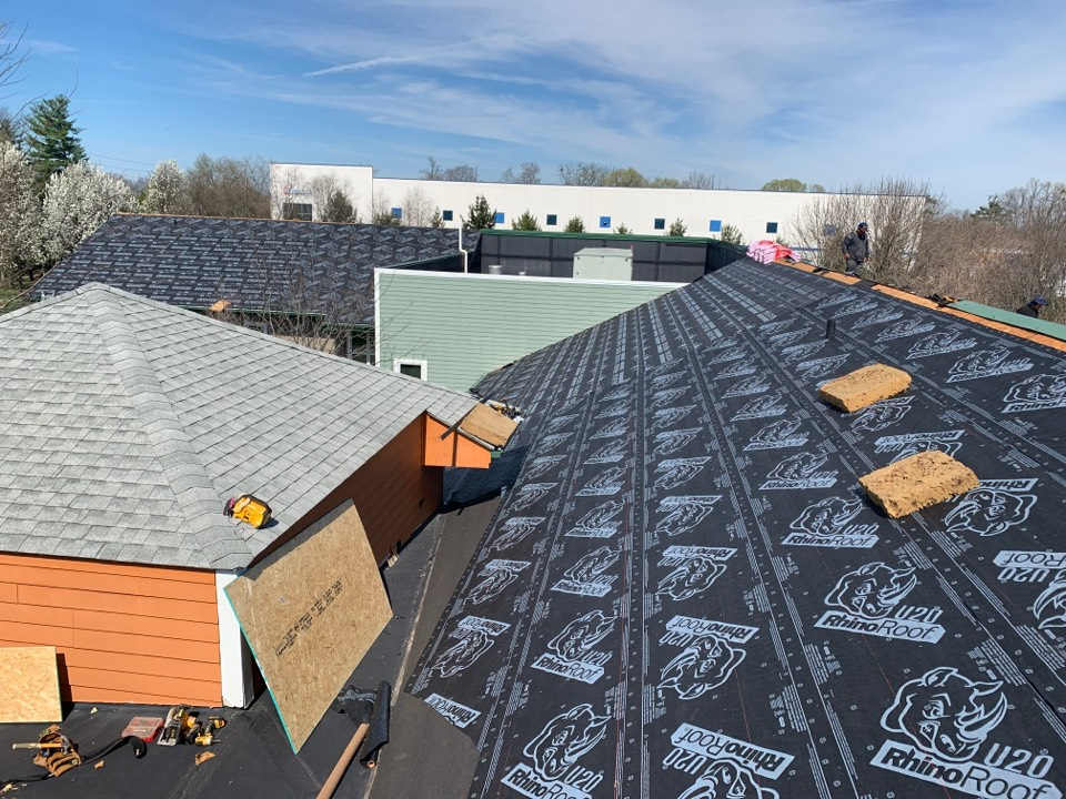 Louisville, KY - New Owens Corning roof going on due to wind damage, we do commercial projects too!