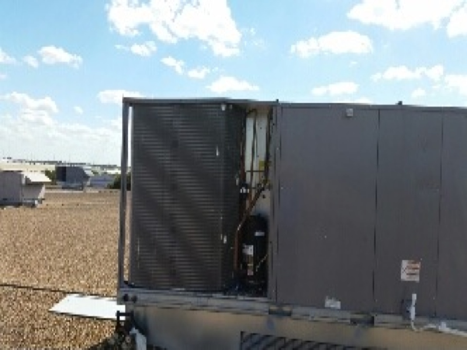 Stafford, TX - Replacing 1 of 2 condenser coils in a 25 ton package unit.