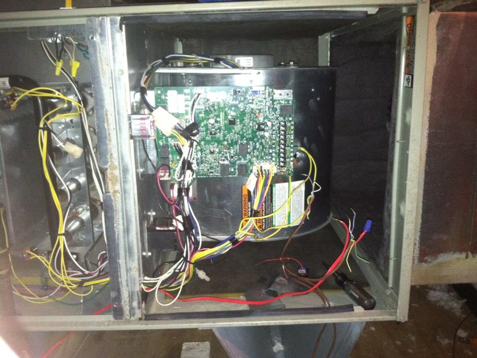Seabrook, TX - Replacing furnace control board